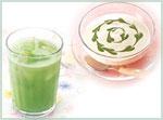 抹茶風味で飲みやすいのが特徴のサントリー「極の青汁」